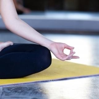 11月27日「京都のお寺deヨガ」疲労回復!姿勢改善など