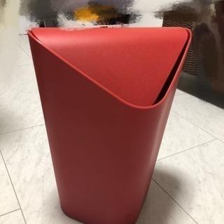角形ゴミ箱