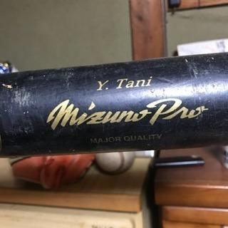 元プロ野球選手谷佳知さんのバット