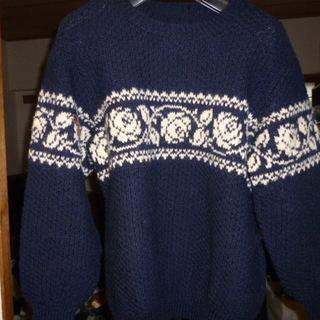 更に値下げしました*紺色の毛糸9玉* - 服/ファッション