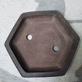 常滑外縁六角鉢