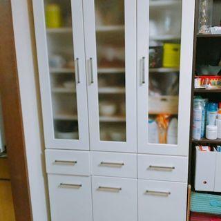 大容量食器棚
