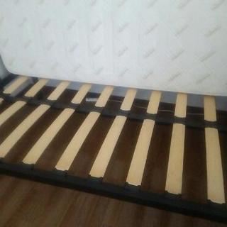 ベッドフレームとマットのセット(セミダブル)