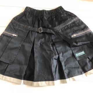 3年2組 スカート
