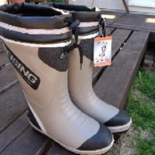 新品 防寒長靴 レインブーツ スパイクが氷に噛みます(^_^)