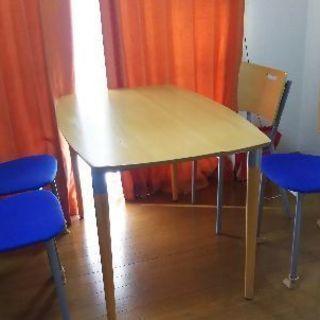 テーブル&椅子4脚