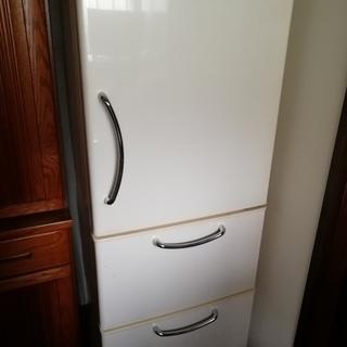 日立 3ドア冷蔵庫 ノンフロン R-26VLV 白/ホワイト