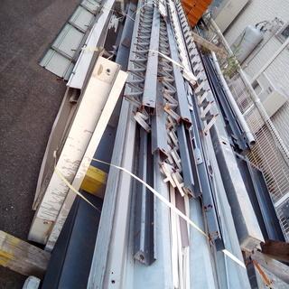 プレハブの屋根 長さ7m 幅9m