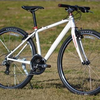 アルミフレームクロスバイク カーボンフォーク装備 3×8段変速 ...