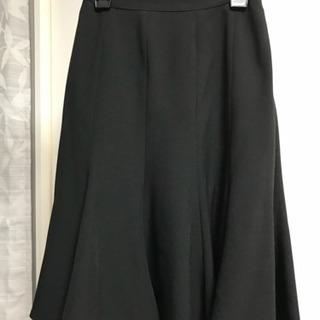 値下 就活 面接 黒のシンプルフレアスカート