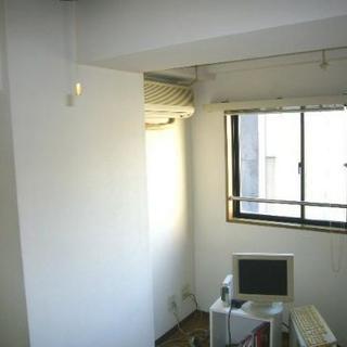 壁紙を張替えずに低価格で安くキレイになります。