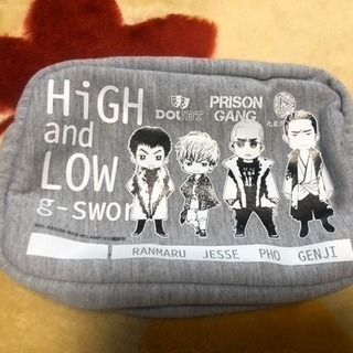 HiGH&LOW のグレーのポーチ