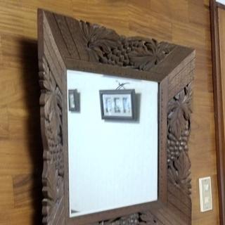 🔴手彫り枠のウォールミラー 古い手作り品