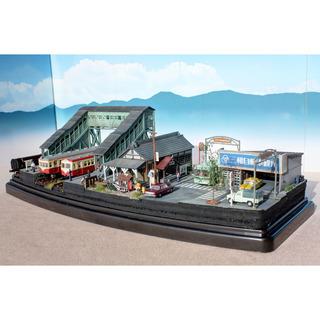 Nゲージ 跨線橋と古い駅舎 ジオラマ 完成品 ジオコレ