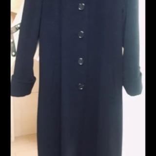 黒のロングコート