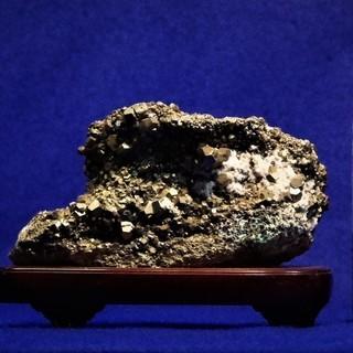 黄鉄鉱 パイライト 1.7㎏ 置き石 水石 盆石 鉱物標本 飾り石
