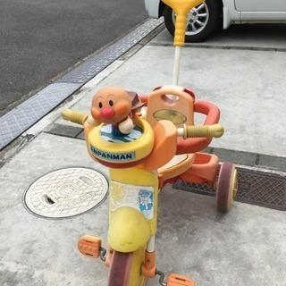 アンパンマンの三輪車。