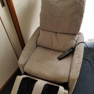 ソファー型マッサージ機