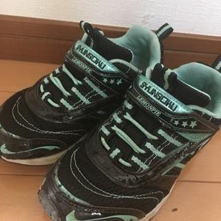 女児用靴19㎝(瞬足)