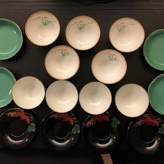 湯呑茶碗と茶たく