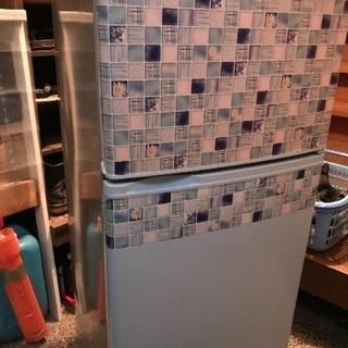 一人暮らし用冷蔵庫です