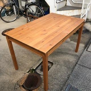 作業用テーブル