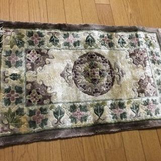 小さめのカーペット 絨毯
