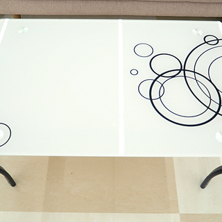 ニトリ ガラステーブル サークルデザイン