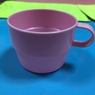 薄ピンクのカップ