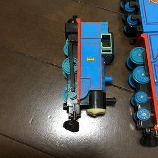 機関車トーマスのブリキ?鉄?製列車 と MAPシートとレール used - 売ります・あげます
