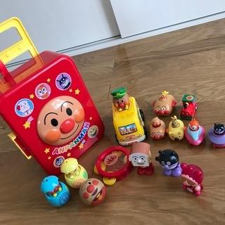 アンパンマン キャリーケース おもちゃ セットで♬