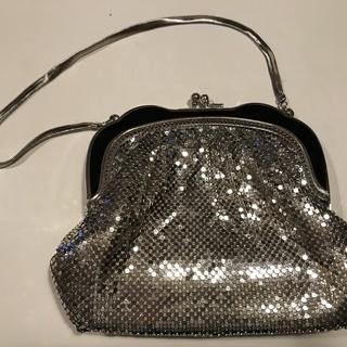 シルバーのキラキラパーティー用バッグ
