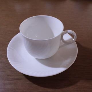 コーヒーカップとソーサー 4組あります