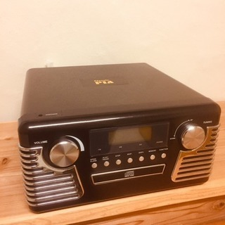 レトロなデザインのCD.ラジオ、レコードプレイヤーこちらの商品は...