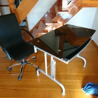 (引取交渉中)ガラスPCテーブルと椅子セット