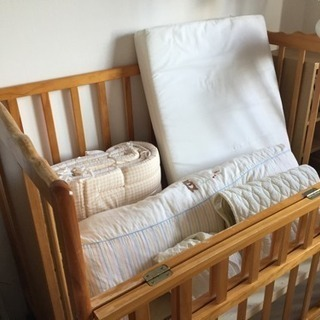 ベッドと西川布団セット一式!