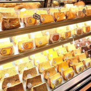 シフォンケーキの製造販売・カフェ接客