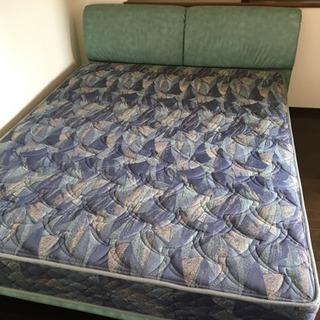 ※終了※キングorクイーン サイズ ベッド