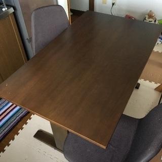 ダイニングテーブル 7/15までお値段5000円のままで椅子二脚...