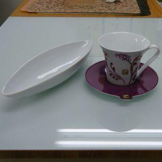 コーヒーカップとフラワーベース 全部で300円