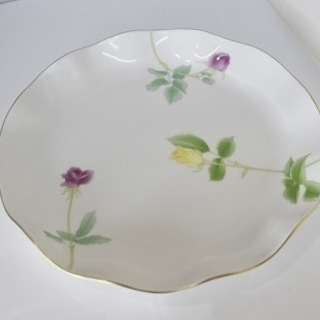 新品未使用♡♡♡♡香蘭社 ローズガーデン 大皿 28cmの画像