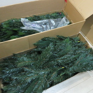 クリスマスツリー 差し上げます 多分高さ 150cmくらい 東急...