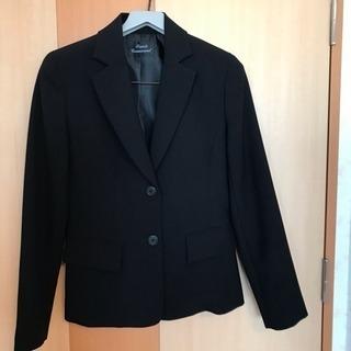 黒色スーツ(スカート2枚)