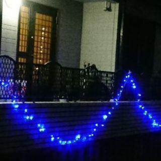 クリスマスに間に合うイルミネーション青色