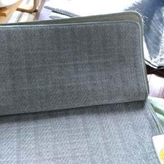 富士通のホットカーペット本体と保温マットのセットです。