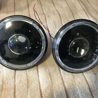 【新古品】ヘッドライト本体 7インチ 汎用 イカリング付 H4