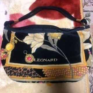 LEONNARDのミニバッグ