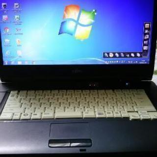 FUJITSUのノートパソコン
