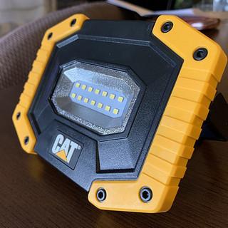 ✨ほぼ新品✨CAT製 LED強力ライト マグネット付き