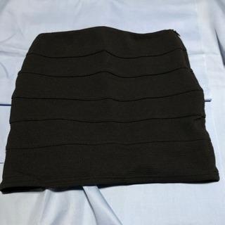 Lip serviceのスカート